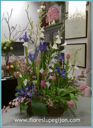 Cesta vertical de flores de temporada